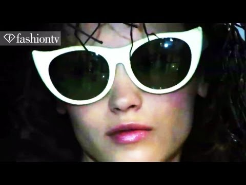 Tsumori Chisato Models Backstage - Paris Fashion Week Spring 2012 PFW | FashionTV - FTV