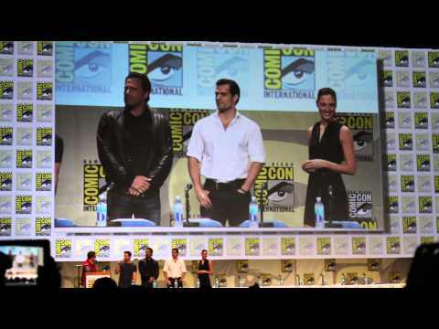 Batman v Superman SDCC 2014 Ben Affleck, Henry Cavill, Gal Gadot, and Zach Snyder on Stage