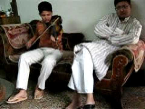 Dil dhadak dhadak ke kah raha hai Fiddle recital by Master Sharang...