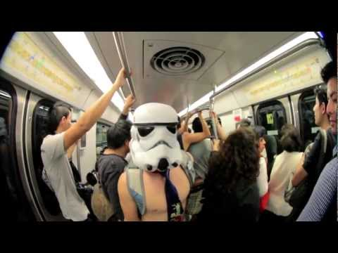Viaje En Metro Sin Pantalones 2013 (Video Oficial) México - Global No Pants Subway Ride #NoPantsMX