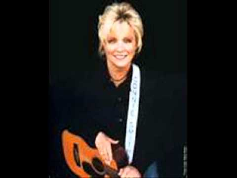 Connie Smith - Everythings Found A Home With Me But You