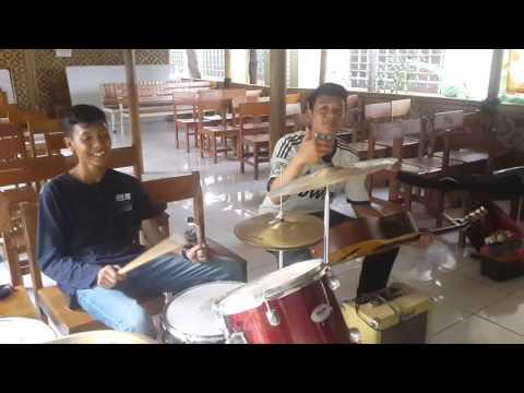 Nyervice gitar at SMA 88 Cijantung ,jakarta timur