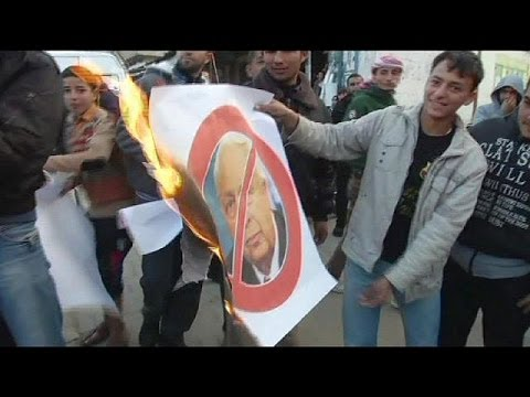 Palestinians celebrate death of Ariel Sharon