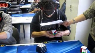 Ուղղակի անհավատալի է`տղան փակ աչքերով հավաքում է Rubik-Cubik-ը