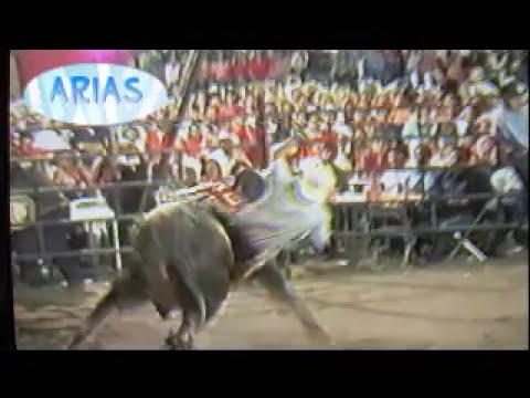 Accidente en la plaza de toros, se cayo el enlonado , jaripeo tenetepango mor. 2002