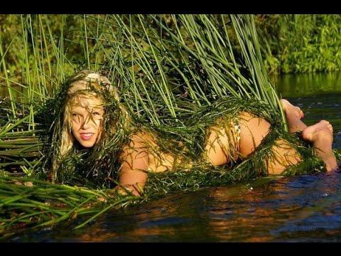 girl mud nude in