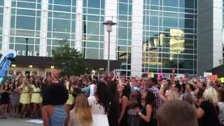 """American Idol"" contestants sing Selena Gomez at auditions in Omaha!"