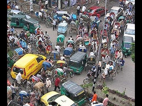 Daily life in India - driving in traffic in New Delhi ( India )