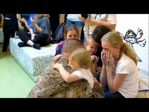 Soldier Surprises Family at Disney's Art of Animation Resort - Disney Flash Mob!