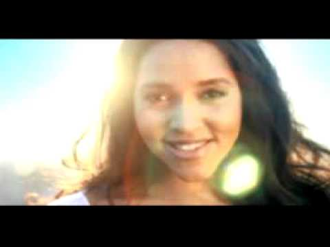 Cassandra Steen - Glaub Ihnen Kein Wort