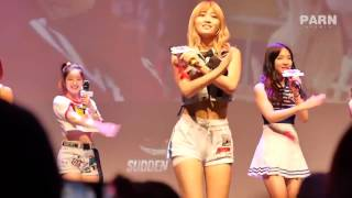 TWICE's Momo keeps her cool despite sudden wardrobe malfunction while performing