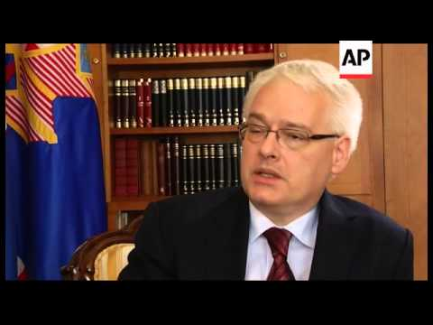 Croatia - Leaders welcome EU counterparts for accession celebrations / President Josipovic says no d