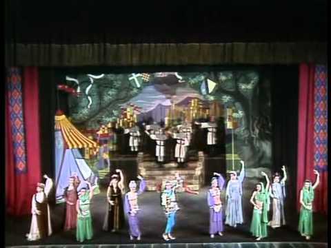 Teatro en TV   11   La venganza de Don MendoFUNNYPedroMunozSeca 1918