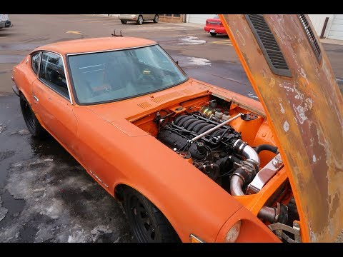 Riding In a V8 Swapped Datsun (Mad Skidz)