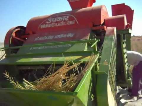 Mini Combine Thresher video