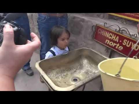 Experimento asombroso en la mitad del mundo, el famoso remolino!