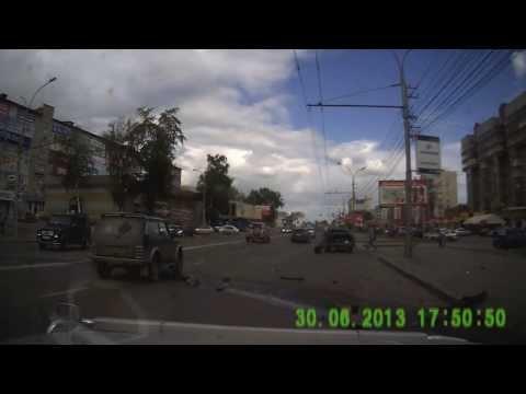 Авария в Новосибирске на день города 2013, страшное ДТП, беспредел на дороге Новосибирска