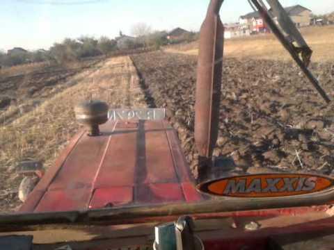 UNIVERSAL 650 M by CSY  ....... o noua aratura cu un tractor super-adevarat ;)