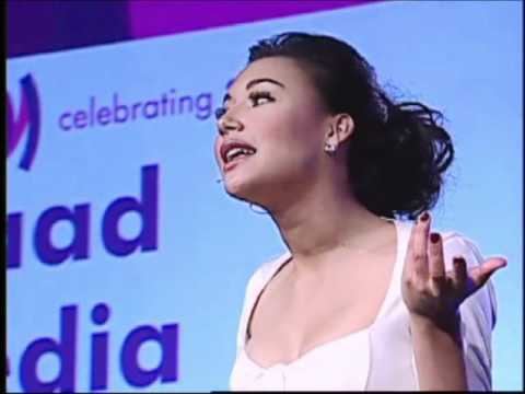 Naya Rivera Hosts the GLAAD Media Awards in San Francisco, 2011