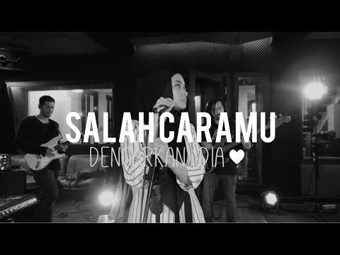Download Lagu  Dengarkan Dia - Salah Caramu Live Version Mp3 Free