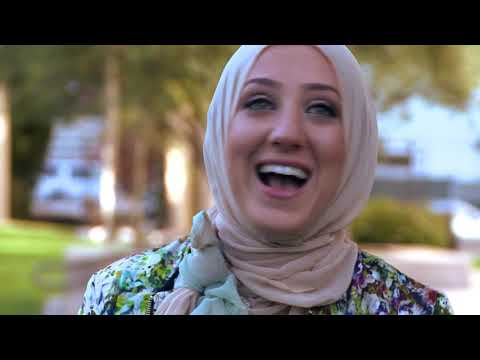 Hijabistas: Inside the World of Muslim-American Fashion