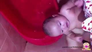 [Sweetest shower ever] Video