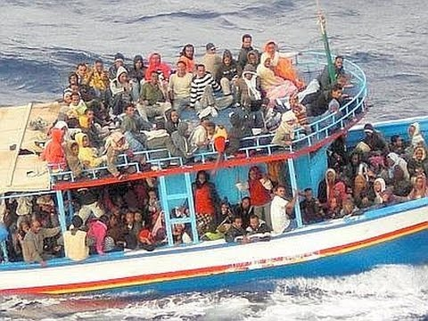 UPDATED : Italy Migrant Boat Sinks Killing At Least 290 Near Lampedusa : Raw Video