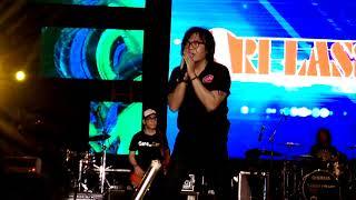 Ari Lasso Nostalgia Lagu Lagu Dewa19 Live Surabaya 5 Oktober 2017