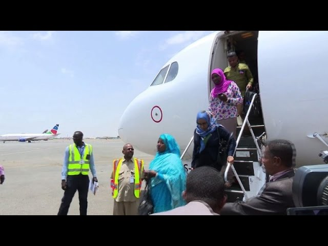 Sudan starts evacuating its nationals from S.Sudan