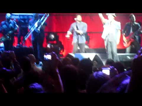 "Bruno Mars in Puerto Rico ""Valerie"" Amy Winehouse Tribute 08-09-11"