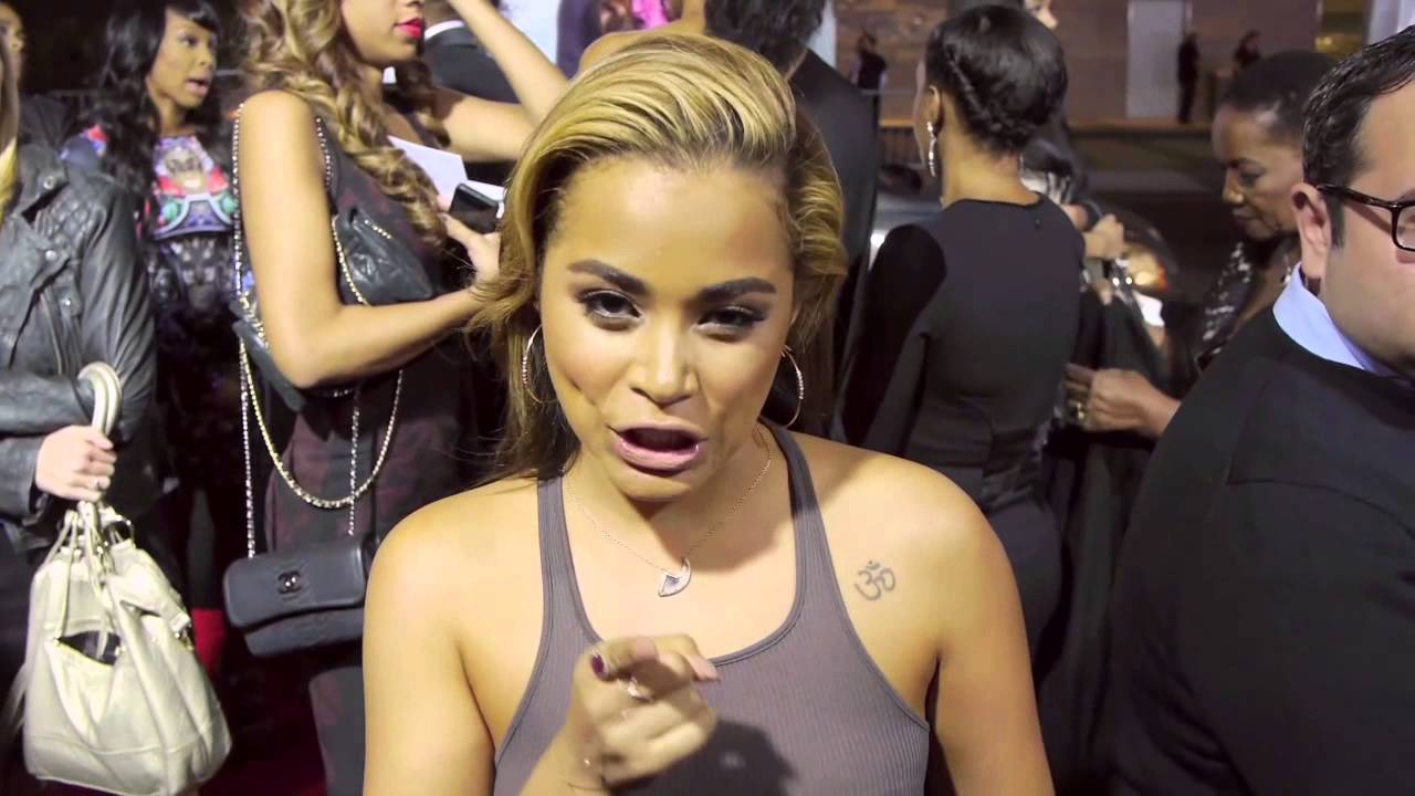 Baggage Claim: Lauren London Movie Premiere Interview - YouTube