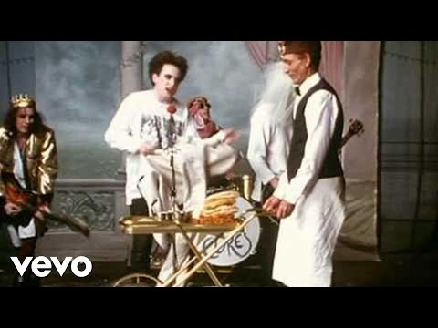 The Cure - Friday I&#039;m In Love