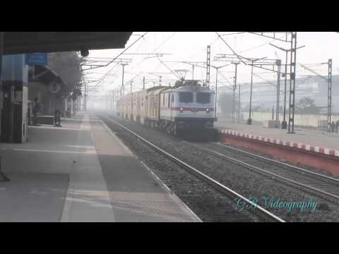 Howrah Wap-7 Playing With Double Decker Express video
