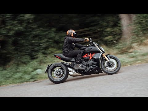 Ducati Diavel 1260 S - dancing with the devil road test