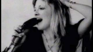Watch Stevie Nicks Just Like A Woman video