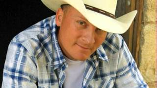 Watch Kevin Fowler Senorita Mas Fina video