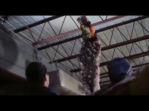 The Mist ....Tentacle attack ( Scene )