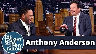 Anthony Anderson Hits the Splits in the Middle of His Interview