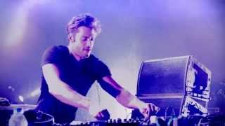 KURA - Roll The Drum