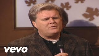 Watch Ricky Skaggs Somebodys Prayin video