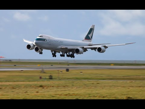 Cathay Pacific Cargo 747-8F Landing at YVR