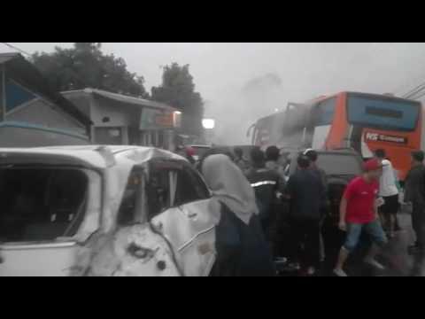 Video Kecelakaan maut di Puncak, Sabtu (22/4/2017) I