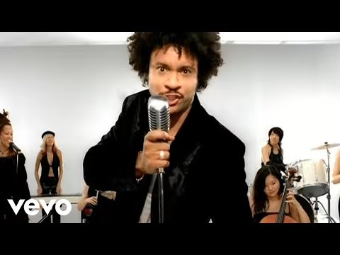 Shaggy - Strength Of A Woman klip izle