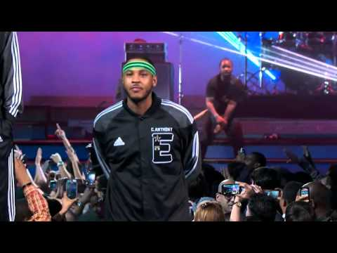 Pharrell Williams and Friends / Pharrel Wiliams et ses Amis - NBA All Stars 2014