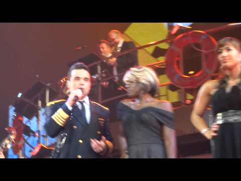 Robbie Williams - Trouble/Hit The Road/Reet Petite (FRONT ROW) - 22-Sept-14 Brisbane HD