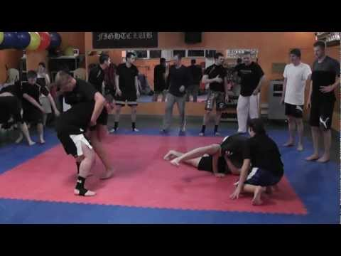 2012-10-29 MMA u. Grappling Training - Single Leg Throw - Kampfschmiede Sugambrer Fightclub Image 1