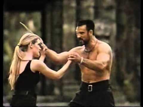 "BRIDGETTE WILSON NEL FILM ""MORTAL KOMBAT"" (1995) - YouTube"