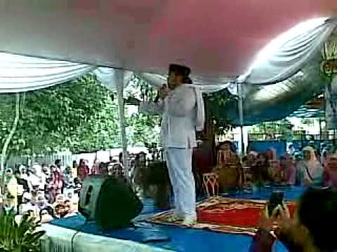 live H.Rhoma Irama ceramah agama ttg btapa besar jasa seorang ibu, dan wanita sholeha