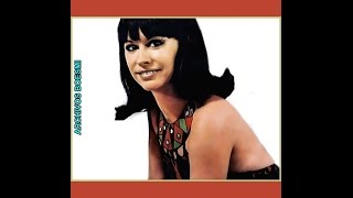 "ASTRUD GILBERTO SING ""GAROTA DE IPANEMA / THE GIRL FROM IPANEMA"" - PARIS JAZZ FESTIVAL - 1968"