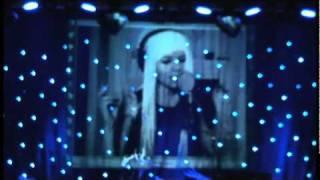 Kerli - Stay Golden (Live) - NEW SONG!  (English Subtitles, Download Link)
